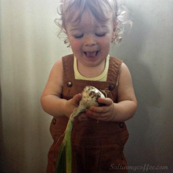 making onion powder with kids