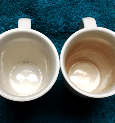 How to naturally clean a stained mug #naturalcleaning #bakingsodahacks