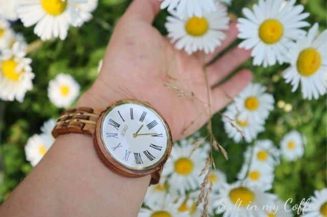 wooden watch with daisies