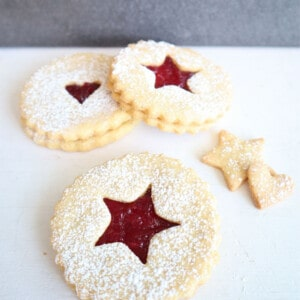 Eikorn Linzer Cookies