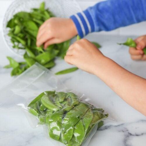 Freezing sugar snap peas